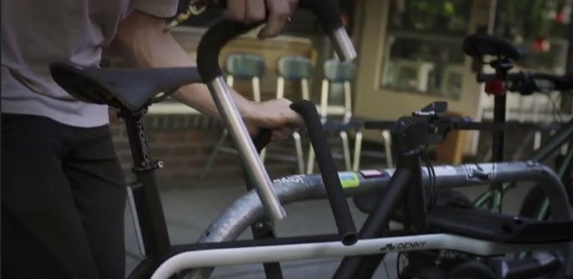 The Denny's handlebars are designed to be quickly removed and used as a lock to secure the bicycle.
