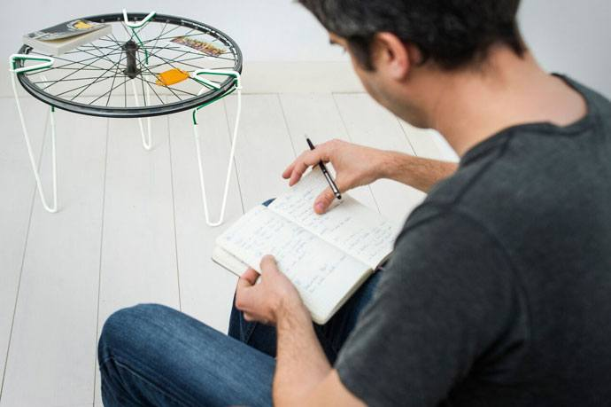 transform bicycle wheels into coffee tables
