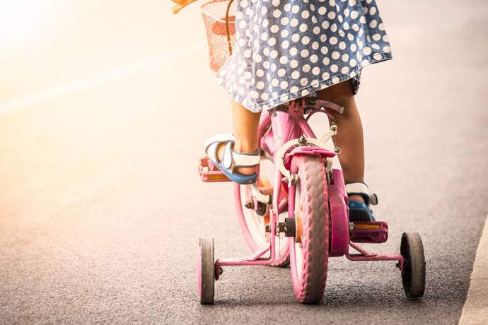 teach your daughter to fix a bicycle